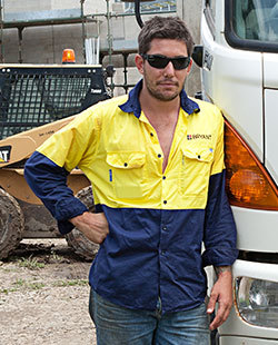 how to get a builders licence in qld